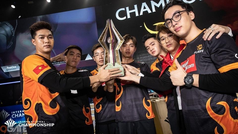 Giành hai chức vô địch giải quốc tế liên tiếp, Team FLASH trở thành đội tuyển xuất sắc nhất lịch sử Liên Quân Mobile