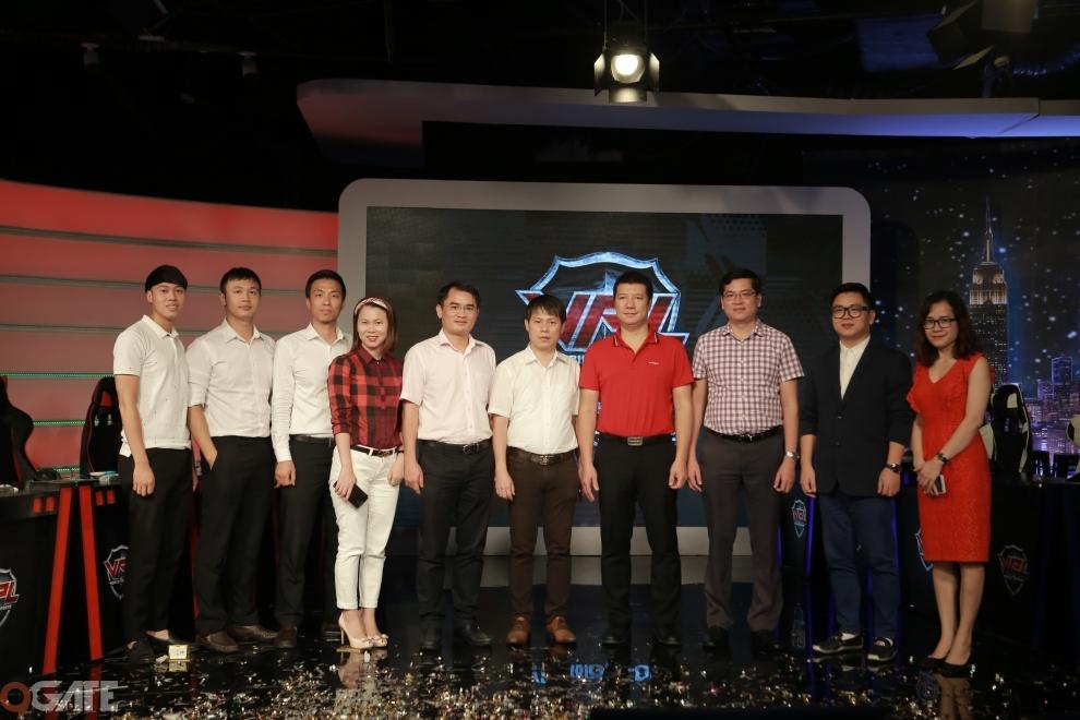 Toàn cảnh Họp báo Công bố Giải đấu VPL MobiFone
