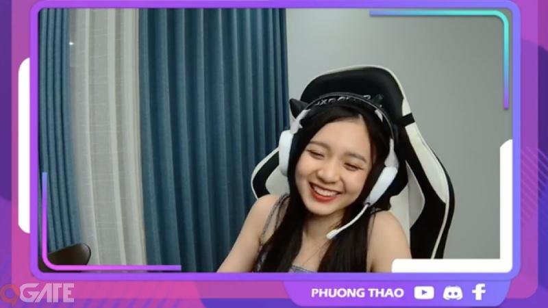 Soi góc livestream của MC Phương Thảo, nếu để ý sẽ thấy điều bất ngờ