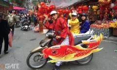 Táo Quân Mộng Bá Vương 3D cưỡi 'cá chép sắt' gây náo loạn Hồ Gươm