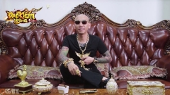 """Phỏng vấn nhanh """"đại ca giang hồ"""" đeo nhiều vàng nhất Việt Nam"""